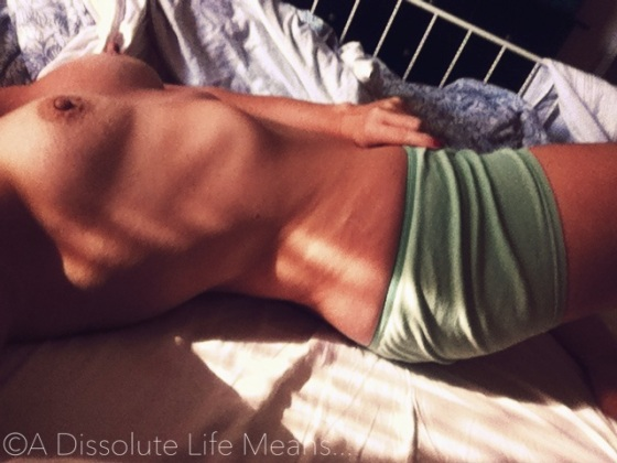 hy_sunbeam_boobs