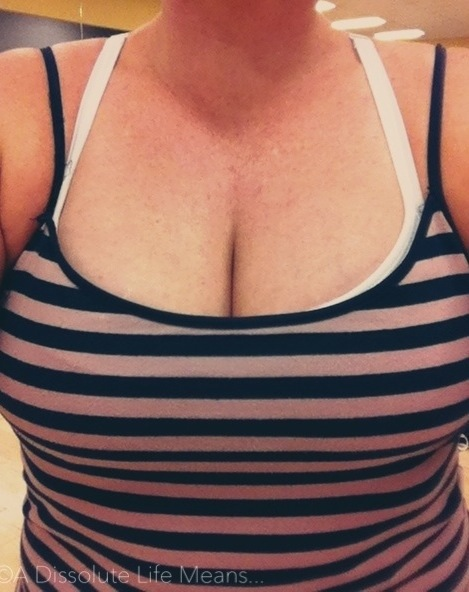 hy_stripey_boobs